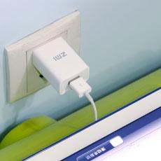 最大5V/2.4Aの電流対応で充電時間を大幅に短縮できます。