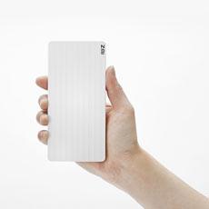 片手で持ちやすい極薄  10.5mm